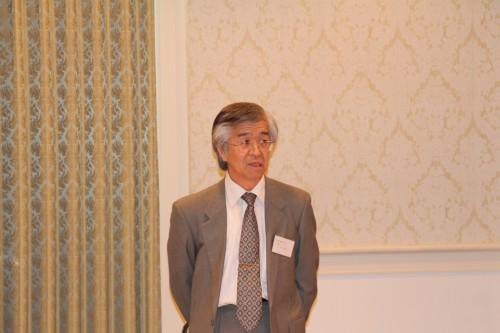 開会の挨拶する副会長の市村氏